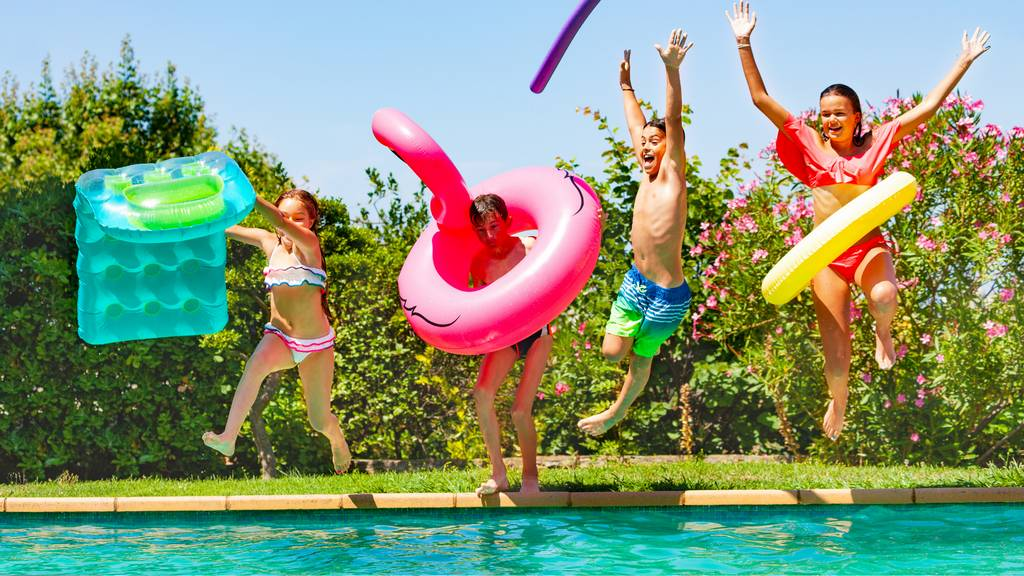 Swimming Pool Safety Tips and Legal Advice for Private Pool Owners & Guests